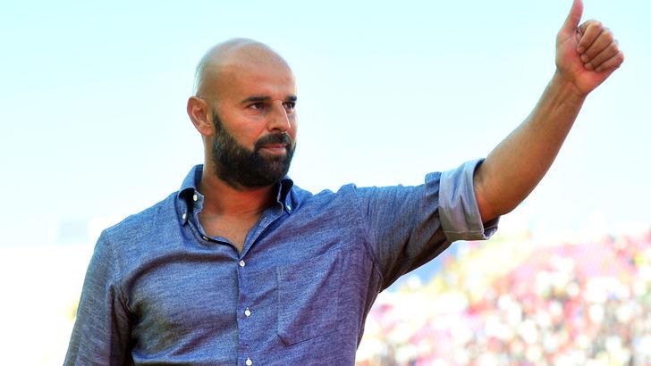 Calcio: Bari, Stellone si scusa con i tifosi per sconfitta
