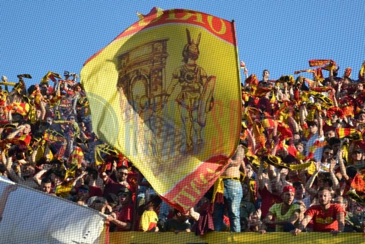 Tifosi del Benevento si apprestano a invadere il San Nicola