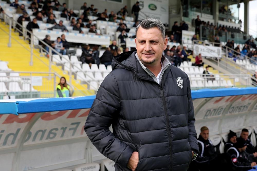 Serie B, al Cesena vengono i cinque minuti: Benevento asfaltato nella ripresa